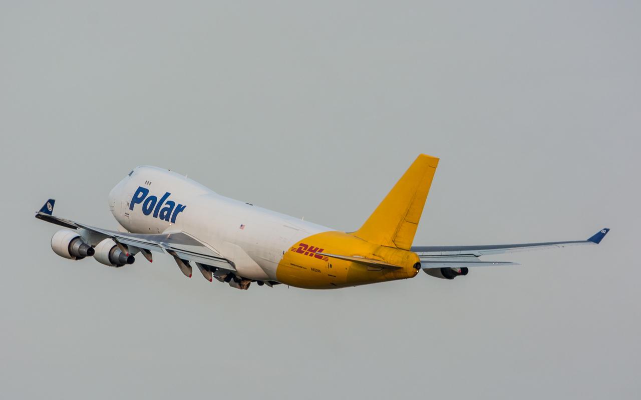 23-Polar Air Cargo-B-747-400-N452PA