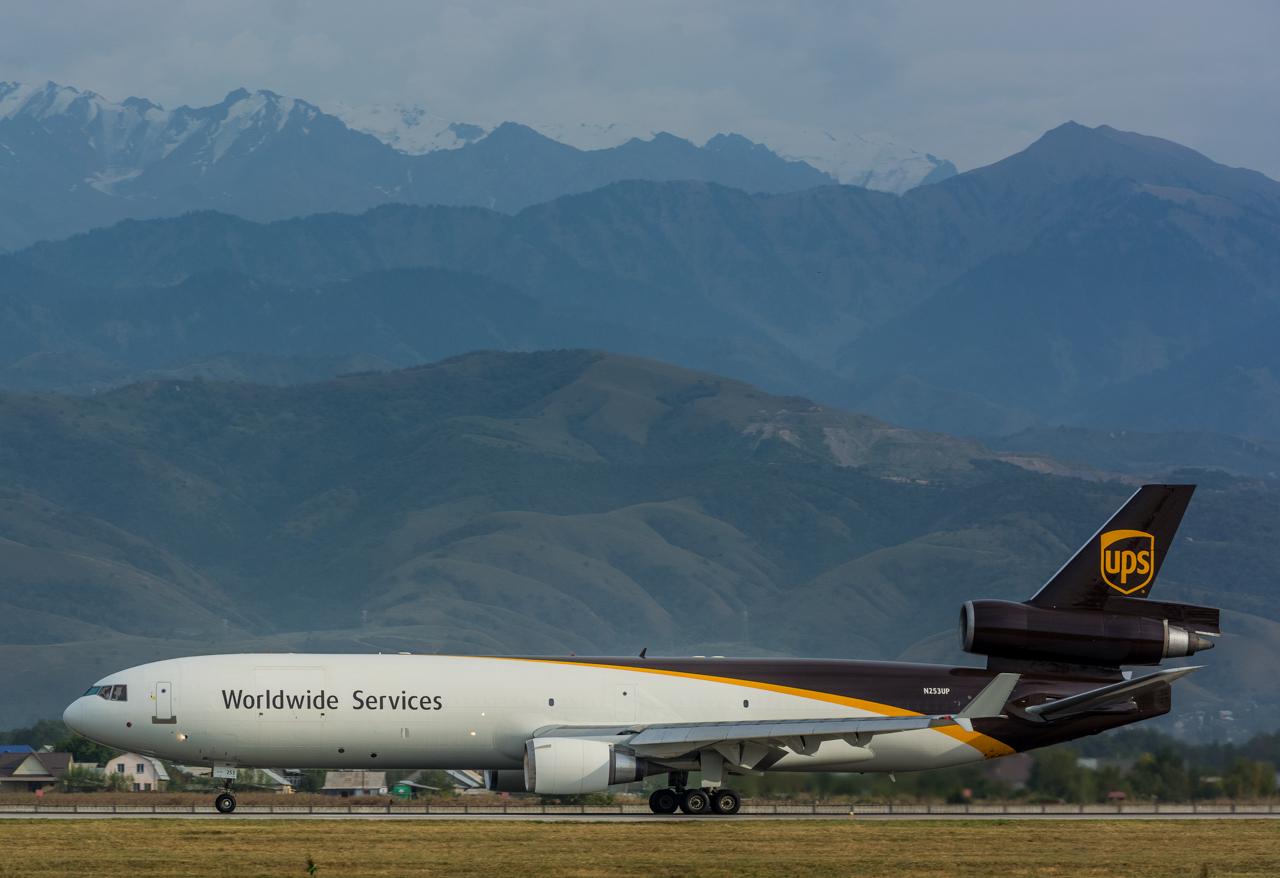 7-UPS-MD-11-N253UP